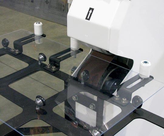 Macchine lavorazione vetro Molatrici a nastro - img01